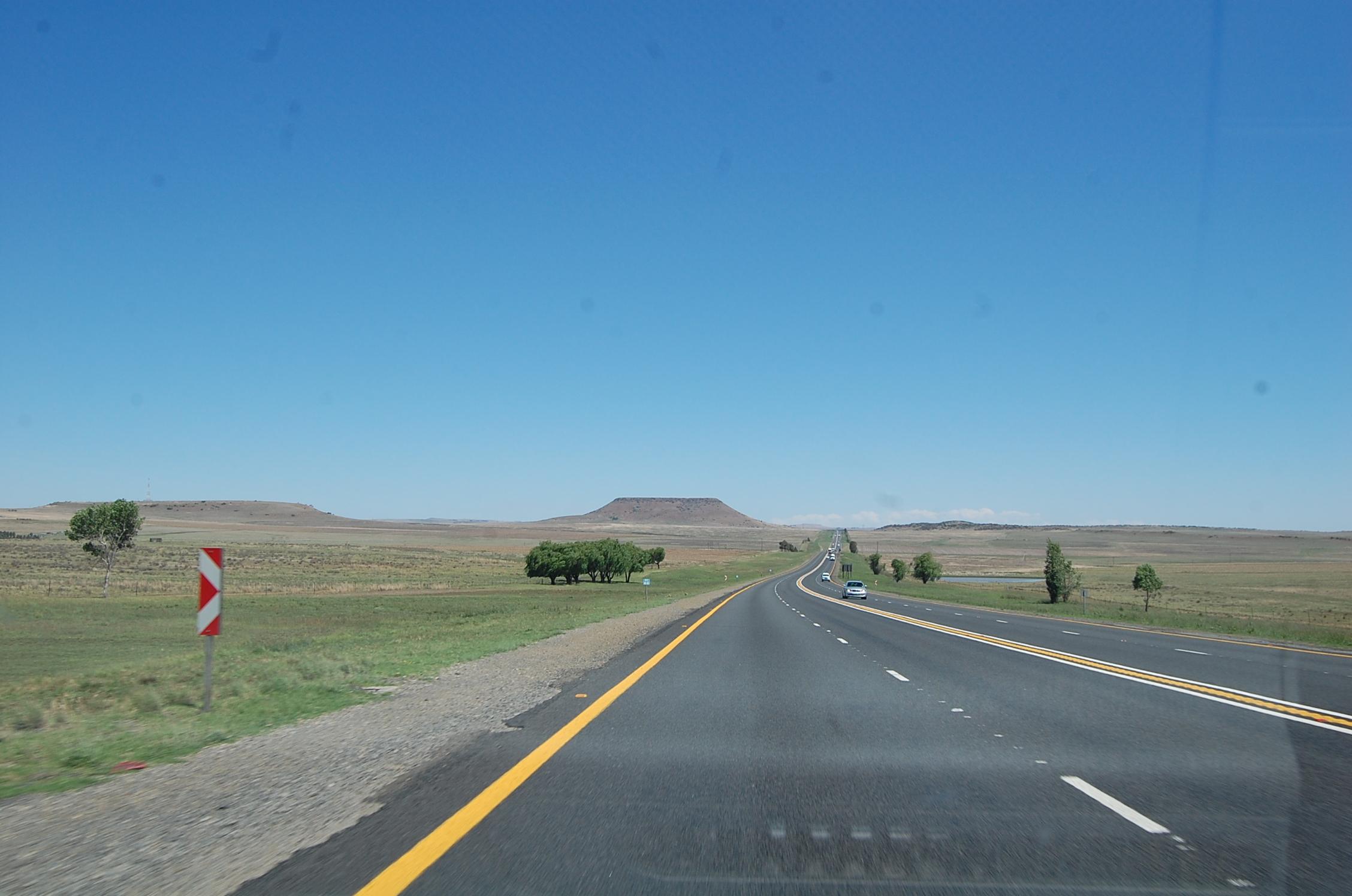 Подъезд к Дракенсбергу. Трасса Йоханнесбург-Дурбан