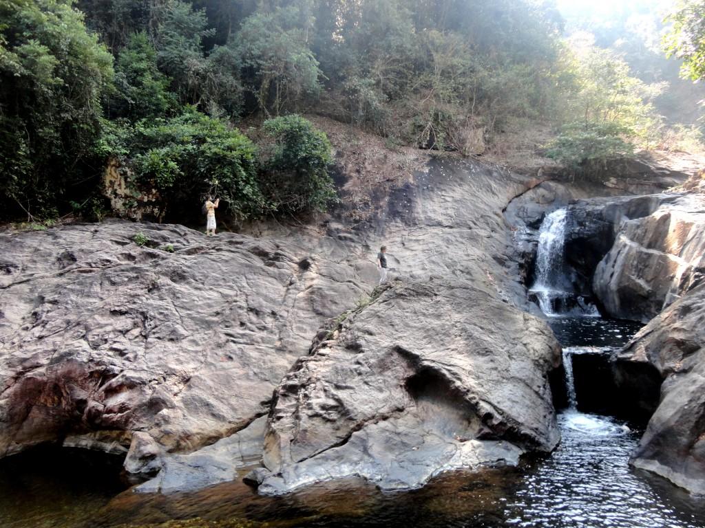 Водопад в центре острова Чанг