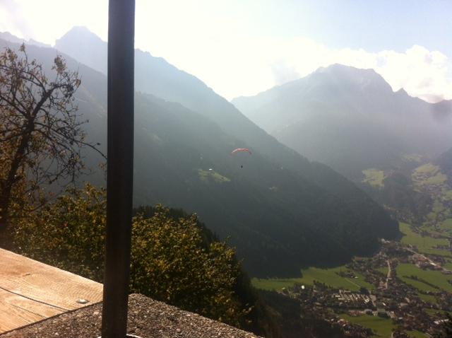 Альпы Циллерталь летом. Вид на долину.