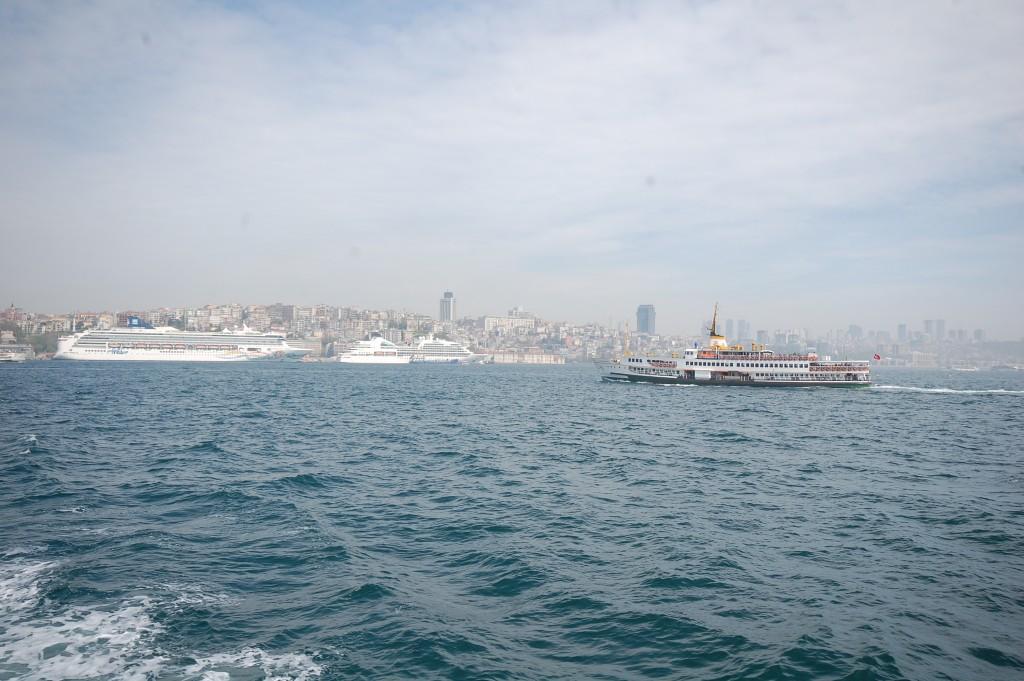 Вид на Стамбул с Босфора.. ezdim.com/blog