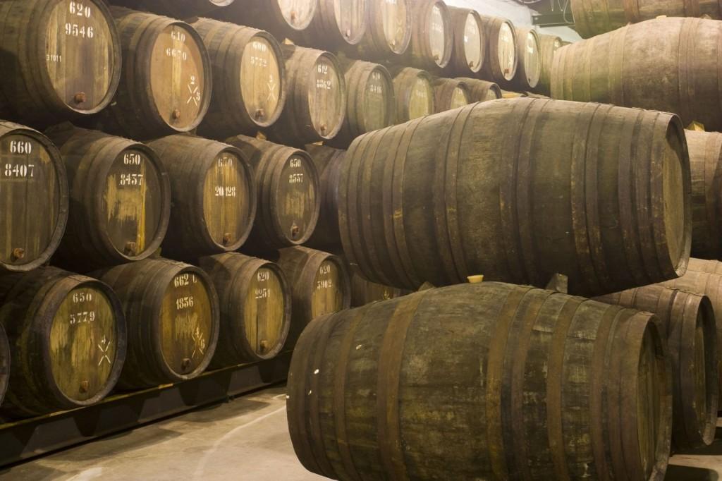 wine-cellar-in-porto-portugal-1600x1066